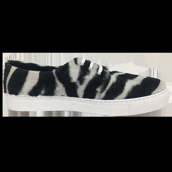 Zebra lace-up
